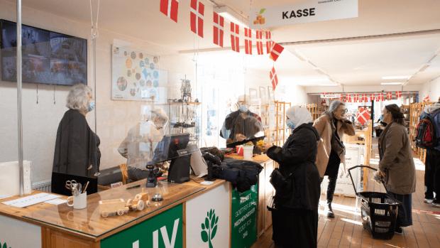 Glæde i Danmission: Forrygende genåbning af genbrugsbutikker