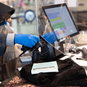 Genåbning af genbrugsbutikker vakte glæde hos både kunder og frivillige