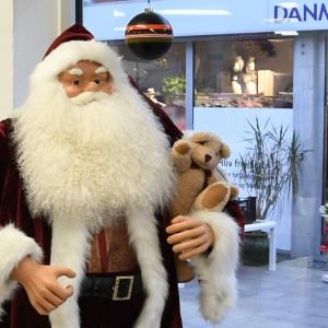 Julen rykker ind hos Danmission Genbrug Ho Ho Ho