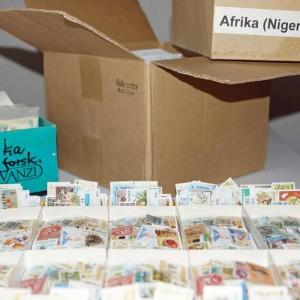Køb, salg og donation af frimærker - så er Søren den rette
