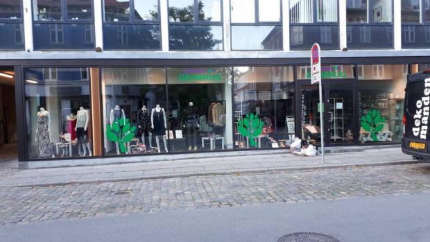 Genbrugsbutik genåbner efter større renovering
