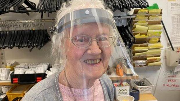 Birgit fejrer 30 år i genbrugsbutikken